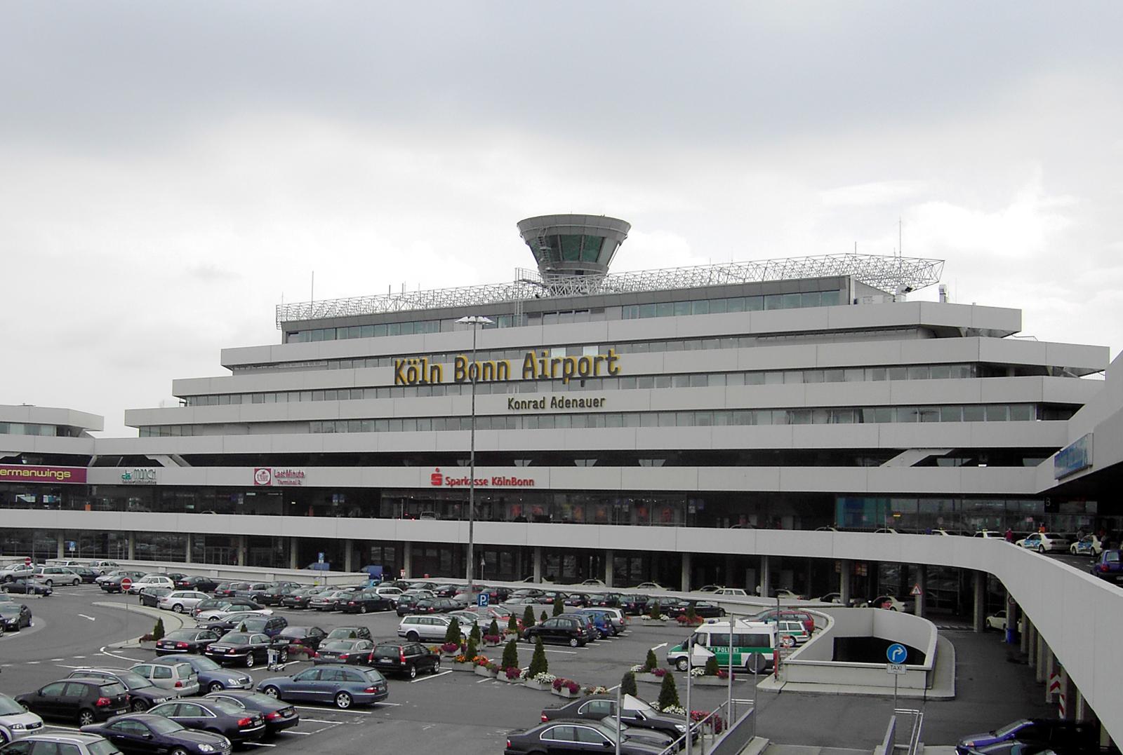 vluchten luik airport